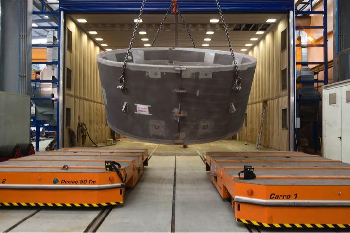 Detalle de operación en la nave de carga